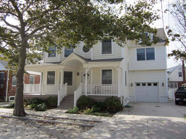 4 BR,  2.00 BTH  Contemporary style home in POINT LOOKOUT